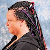 Frau mit Magic Braid Mix Frisur